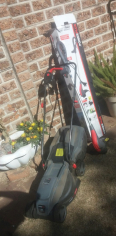 Like new PowerPlus lawn mower and weed Ester only used twice. Sale R1400neg. East rand. Please conta - For Sale, Gardening Tools & Plants For Sale, Boksburg, Gauteng
